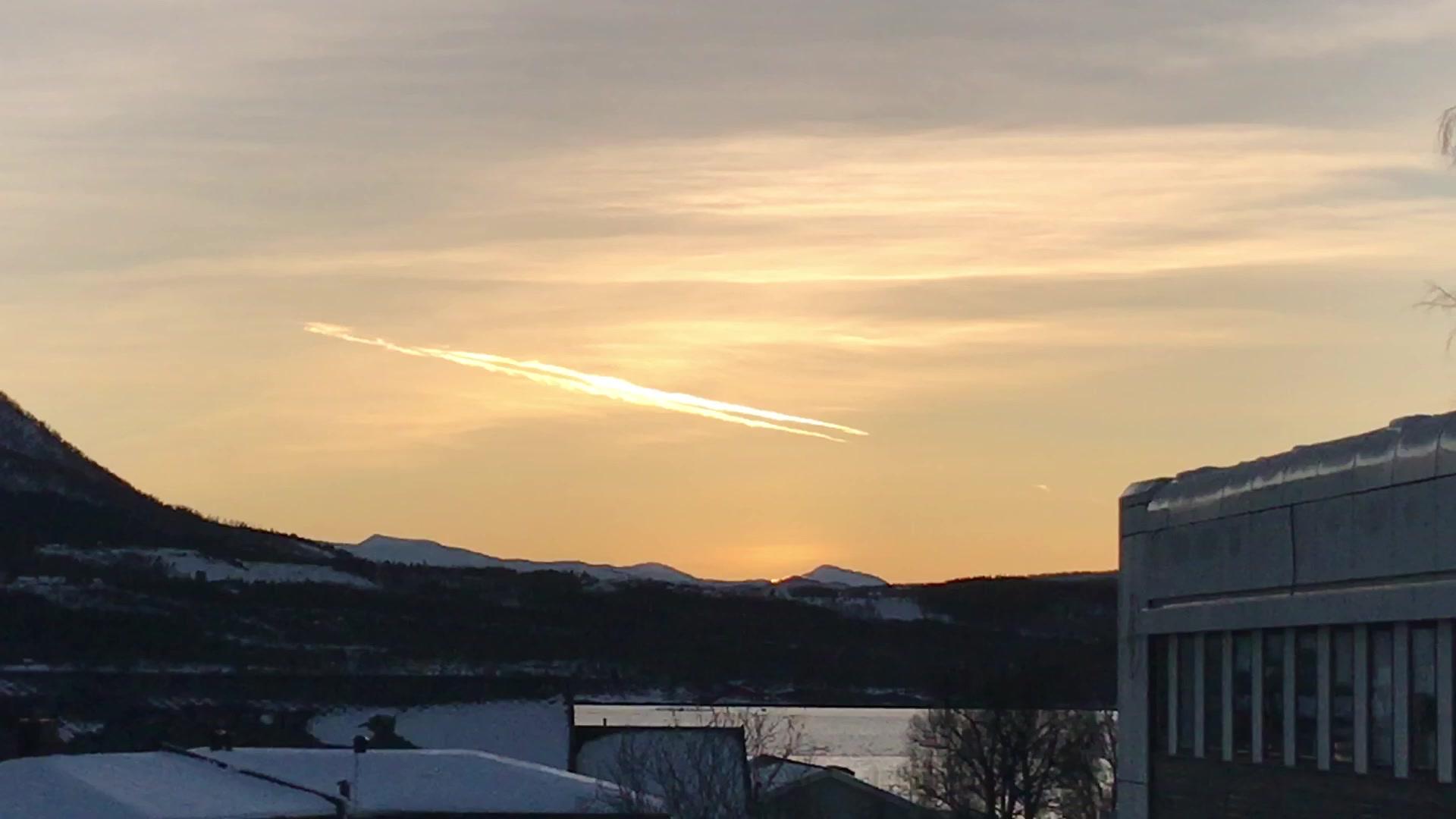 Er det sola vi ser, eller bare strålene fra den?