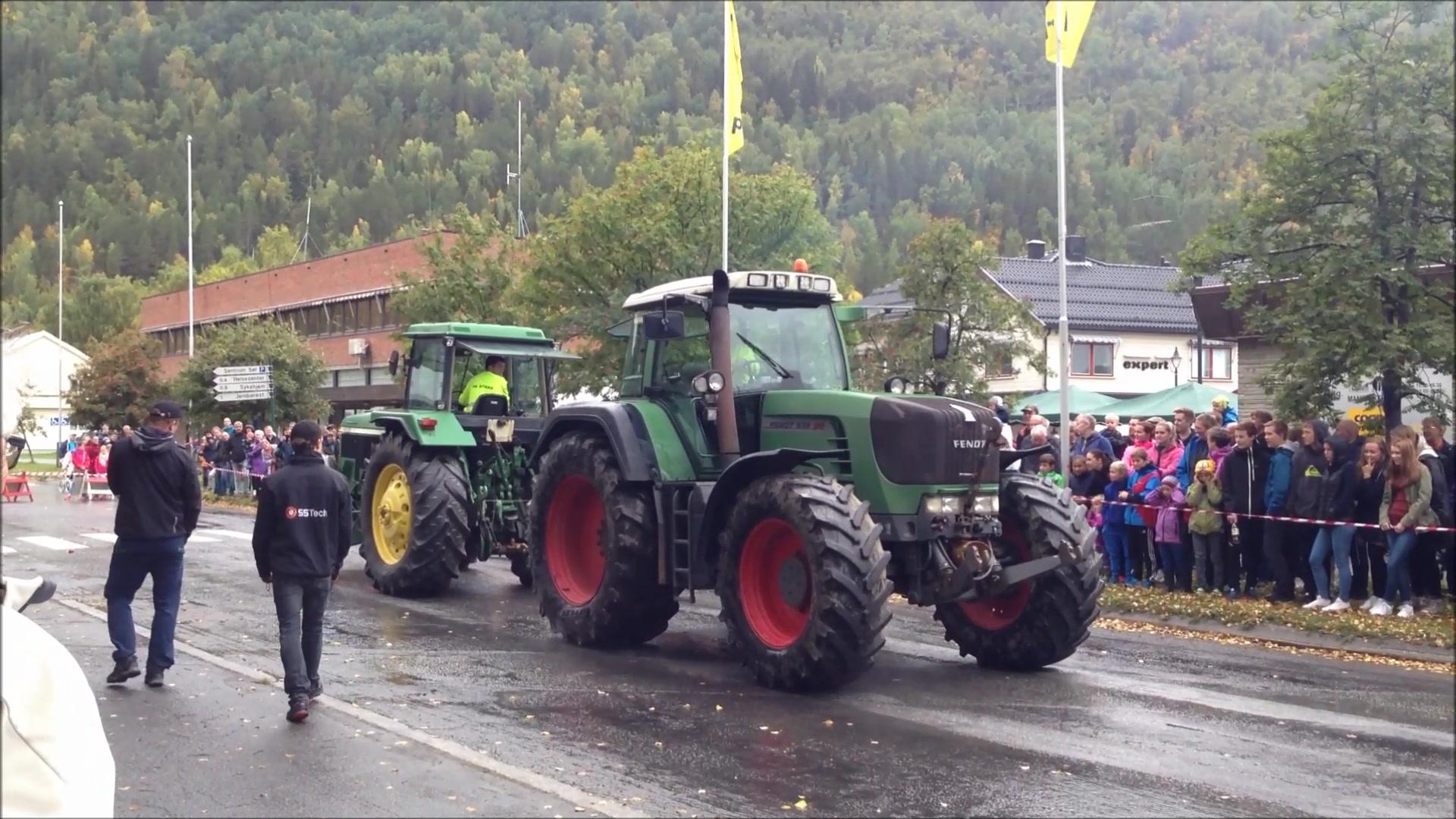 Traktor-drakamp