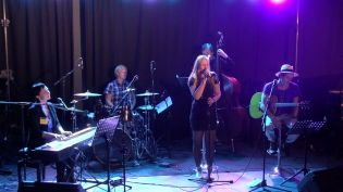 Hilde Louise & The Orchestra samt New Reality