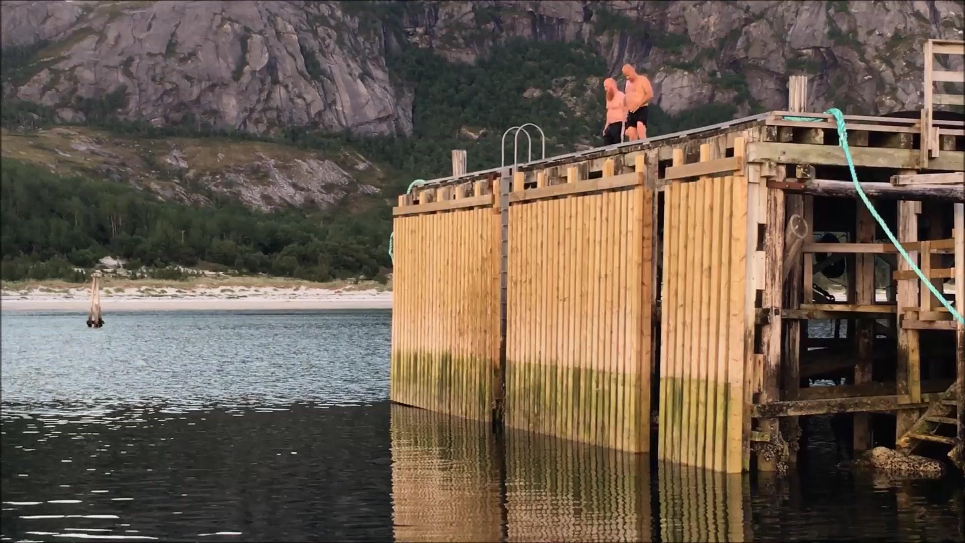 Lek i vannet på Rørstad