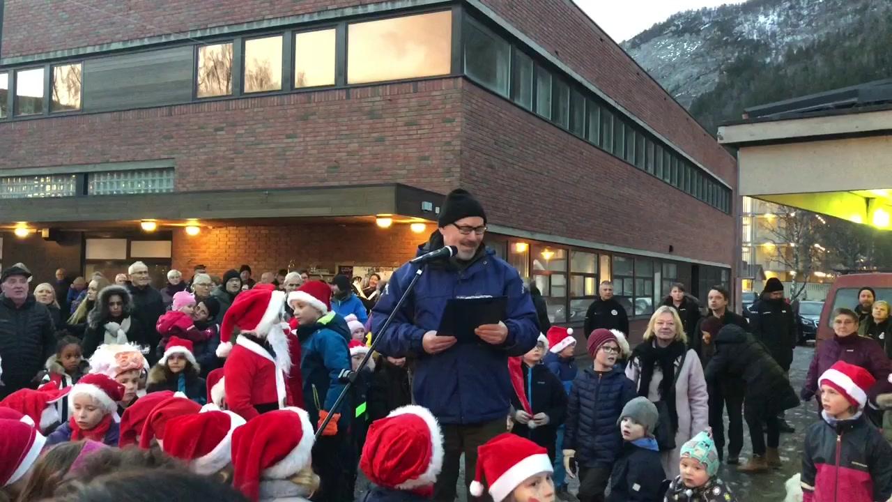 Julegrantenning på Rognan