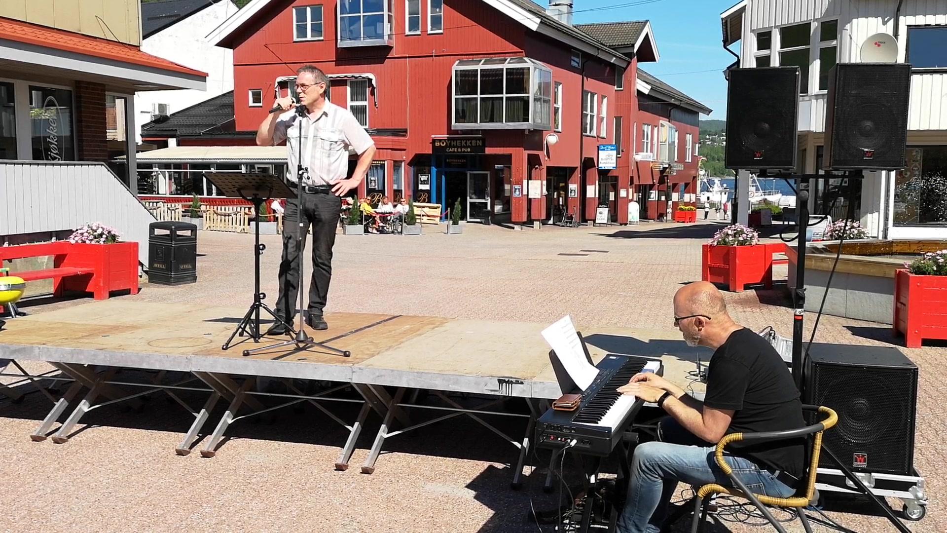 Geir Liepelt synger Petter Dass og Trygve Hoff