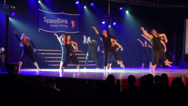 Ungdomsshow fra Dans Fauske
