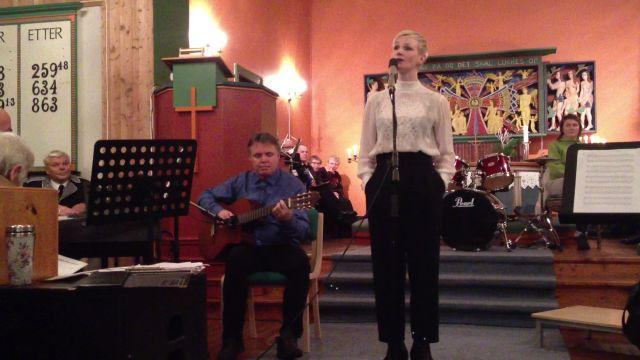 Lena synger Prøysen