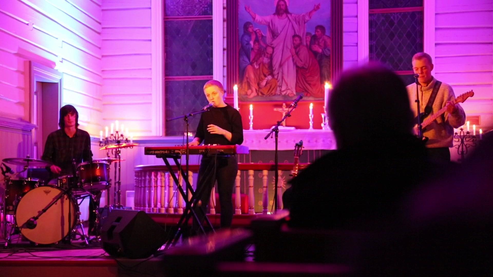 Ingeborg Oktober i Fauske kirke